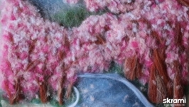 тут изображено  Картина из шерсти Весенняя аллея