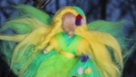 Кукла из шерсти Фея весны