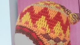 Вязанная шапка в перуанском стиле