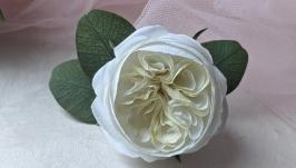 Красивая заколка для волос с розой и эвкалиптом