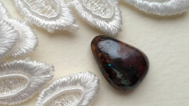 Boulder opal (wood opal)