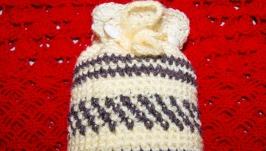 Декоративный мешочек или сумочка, связанный крючком для подарков и мелочей.