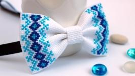 Краватка-метелик з вишивкою
