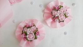 Розовые резинки для волос с розочками