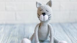 Вязаная игрушка Кот