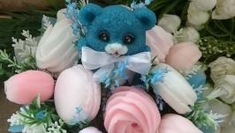Букет с котёнком , зефиром и розами