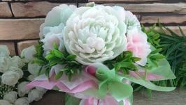 Букет пионов с розами и гортензией