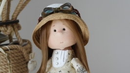 Путешественница интерьерная текстильная кукла