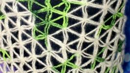 Mini shawl from combed undercoat of Siberian husky and merino