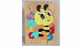 Wooden puzzle funny bee