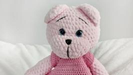 Плюшевый розовый мишка в платье