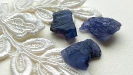 Raw tanzanite