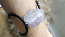 Кожаный браслет с необработанным камнем ′Флюорит′