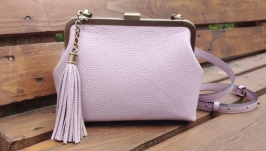 Comfortable leather handbag with a clasp