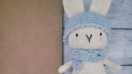 Кролик амигуруми