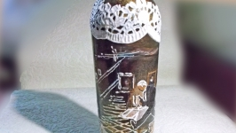 Декоративная бутылка шебби шик Ужин для Одинокой Леди декупаж коричневая