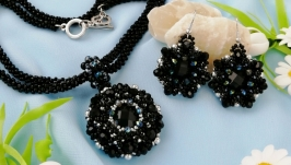 Black jewelry set  beaded necklace  beaded pendant