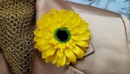 Крупная брошь цветок желтая гербера, желтая брошь цветок хендмейд