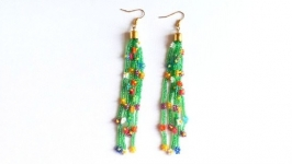 Разноцветные серьги, трендовые ромашки из бисера Подарок девушке