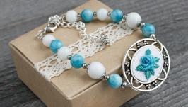 Голубой белый браслет с агатами Браслет из натуральных камней с цветами