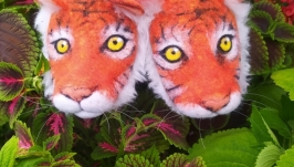 felted slippers tiger