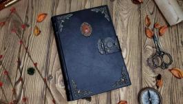 Кожаный блокнот ручной работы с камнем