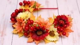 Обруч ободок с осенними листьями и цветами