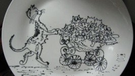 Декоративная тарелка «Мама-кошка»