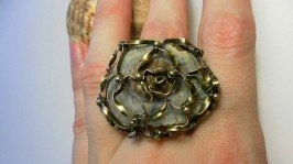 «Перстень Халцедоновая роза»