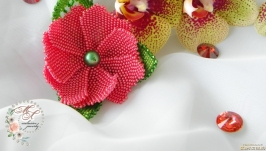 Брошь из бисера «Фантазийный цветок».