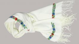 Палантин белый с вышивкой «Букет»