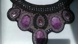 Ожерелье«Viola» ручной работы с камнями свароовски