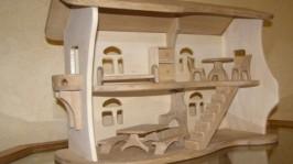 «Двухэтажный кукольный домик»