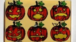 тут изображено «Магнит Halloween»