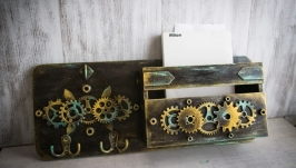 Ключница настенная в стиле лофт, стимпанк ′Gold keeper of keys′