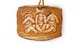 Новогодние обезьянки сувениры 2016, медали из керамики с обезьяной