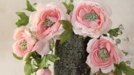 Чайні троянди з кристалами