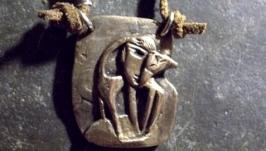 Бронзовый кулон ева