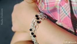 Кольчужный браслет с хрустальными бусинами