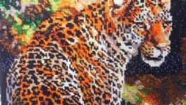 Картина вышитая бисером Леопард