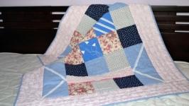 Детское лоскутное одеяло пэчворк ручной работы в кроватку или коляску