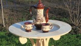 Кофейный или чайный столик