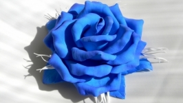 Брошь Синяя роза