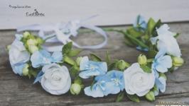 Бело голубой веночек из фоамирана
