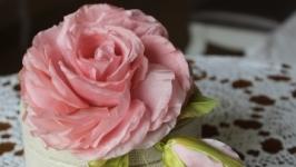 Брошь из японского шёлка Роза с бутоном