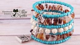 Широкий браслет в этно стиле с натуральным камнем и серебряными подвесками