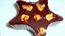 Чорний шоколад з чорносливом та грецькими горіхами