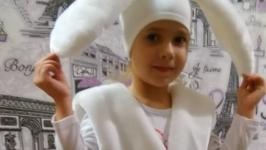 Карнавальный костюм зайчика.