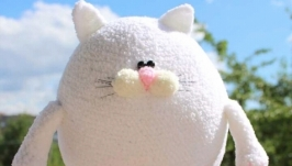 Котик Хмарка  в′язана м′яка іграшка