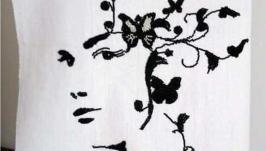 Картина вышитая Девушка цветок, бисер